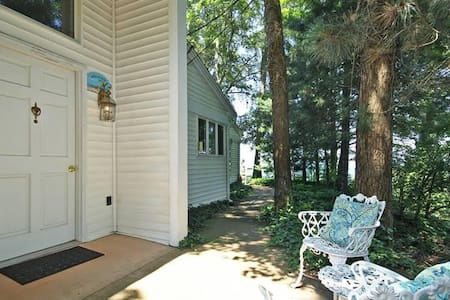Picture Perfect Sunsets overlooking Lake Michigan - Coloma - Wohnung