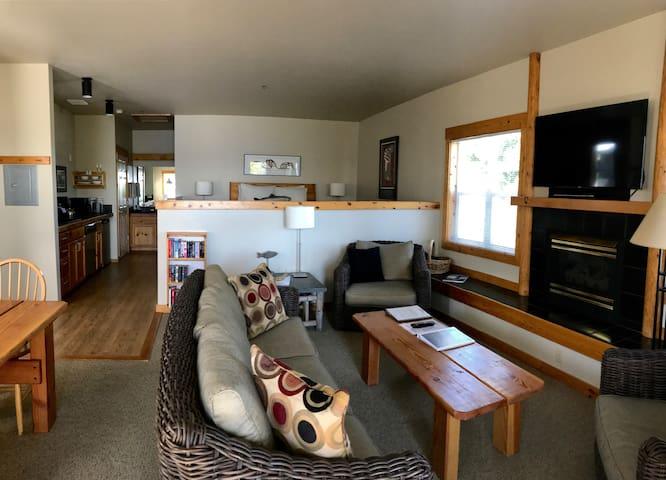 Boatyard Inn Studio