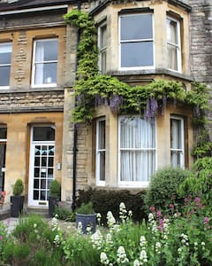 Homely accomodation in central Cirencester - Cirencester - House