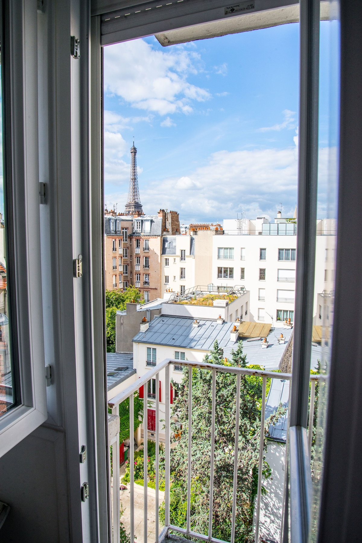 | Airbnb Paris France Near Eiffel Tower | Airbnb Paris Apartment With Eiffel Tower Views | Airbnb Paris With View Of Eiffel Tower | Best Airbnb In Paris