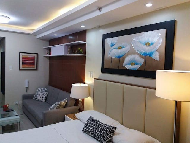 RP Condo 2 @ Shell Residences Mall of Asia