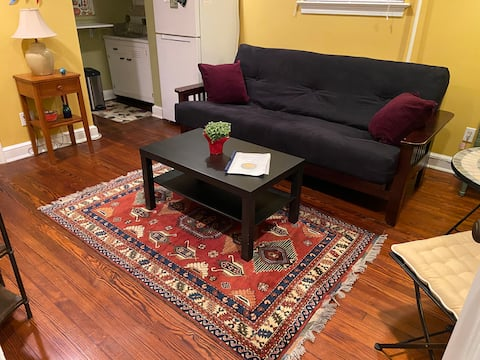 Comfy, quiet and cute in Takoma Park.