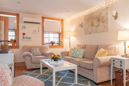 Adorable 2BR Apt in Beacon Hill