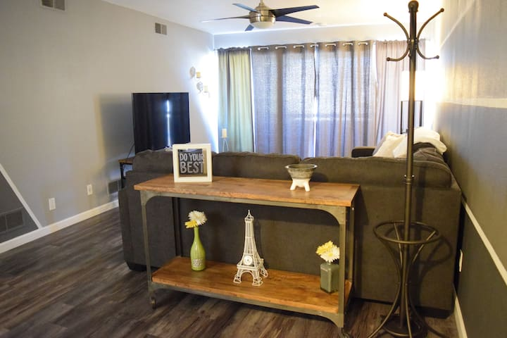 Beyond Cute Old Town Scottsdale Condo