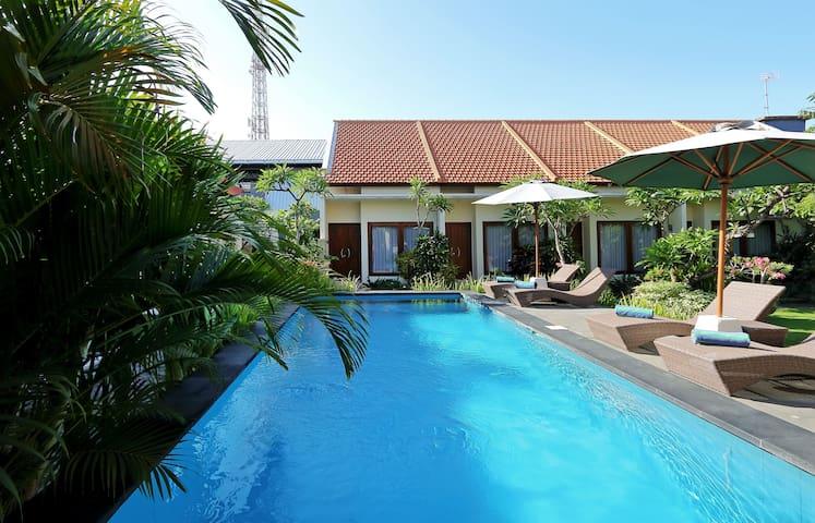 Central Seminyak Townhouse + pool