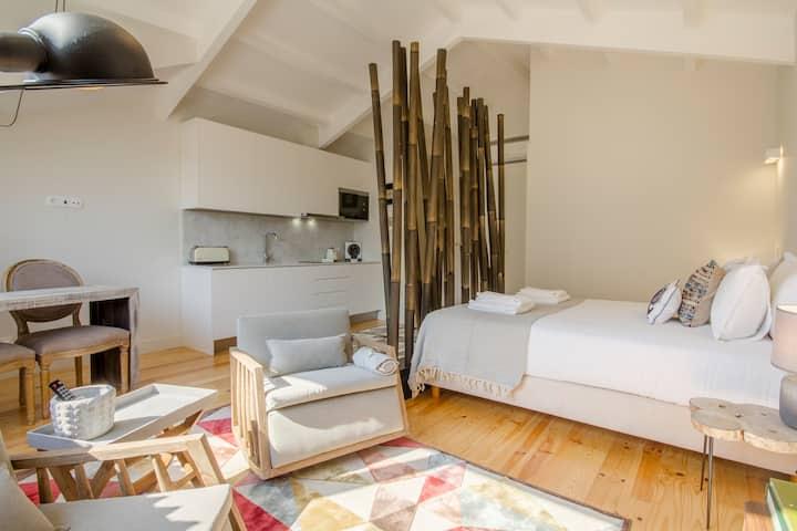 Pinheiro 22 -Brand new studio in Porto's downtown