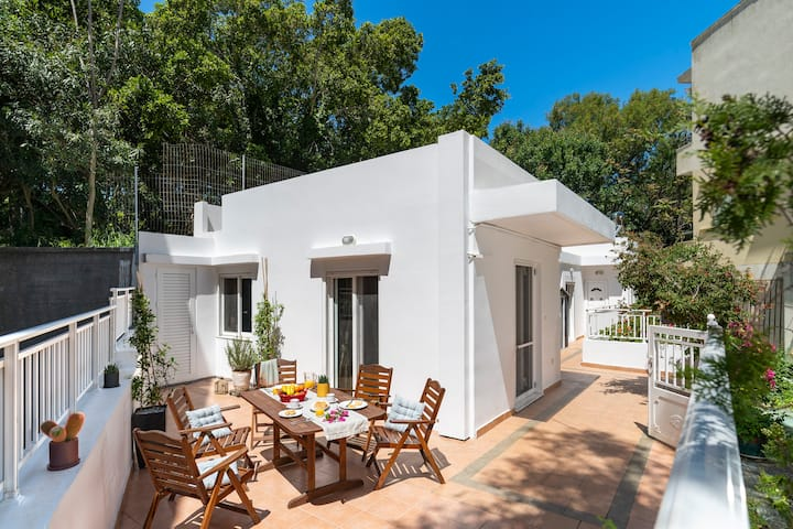 NEW:Haven Home in the❤️of Rhodes, next to Old Town