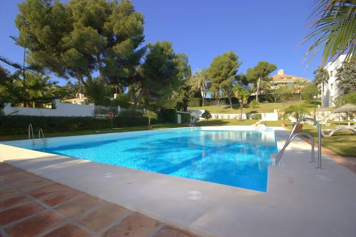 Luxury in Los Monteros by the beach - Марбелья - Квартира