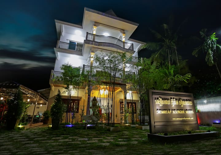 Siem Reap Boutique Villa- Group for 10 people+BF