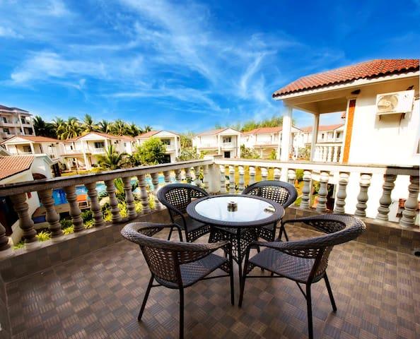 2 BHK Villa with Pool & Waterfront View Morjim