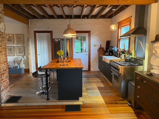 Centrally located Catskills farmhouse