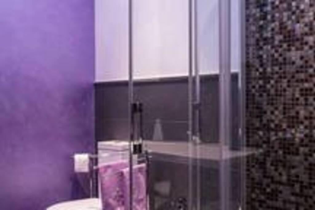 Stanza Terra - particolare del bagno