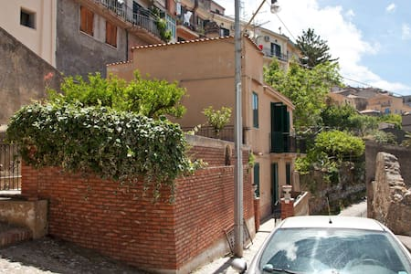 Affittasi villino in Sicilia (me) - Castroreale