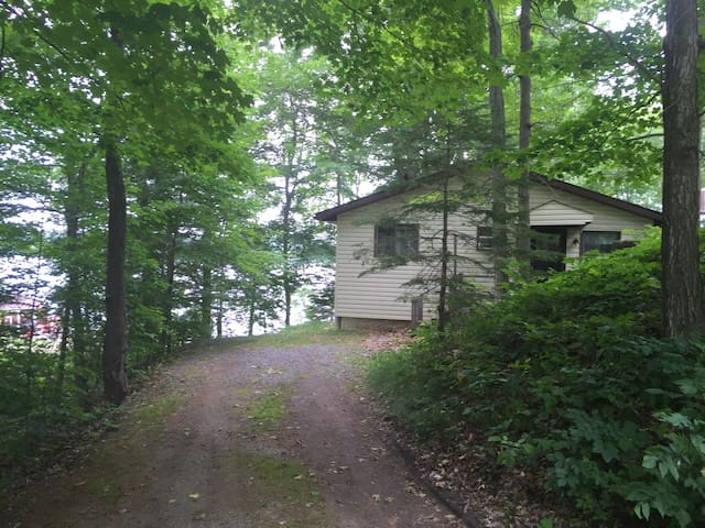 You can park right beside the cabin entrance so it is just a few steps to unload your gear.