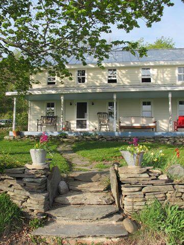 Magical Catskill farmhouse with breathtaking view!