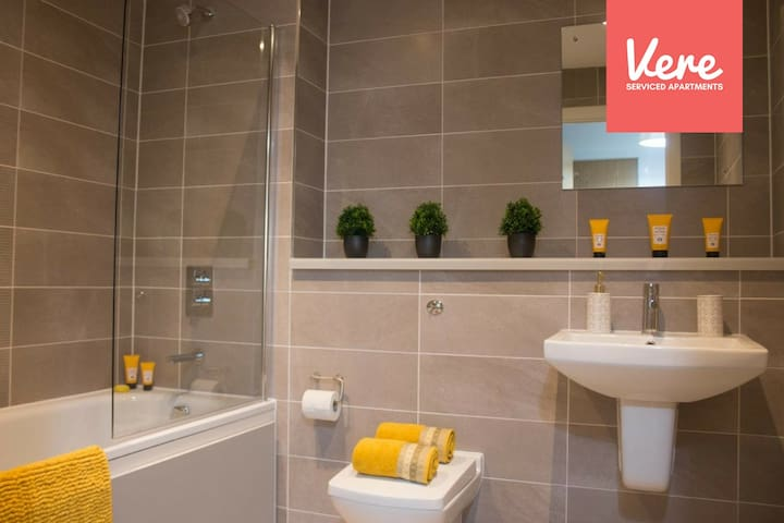 Media City 2 Bedroom Serviced Apartment by Vere