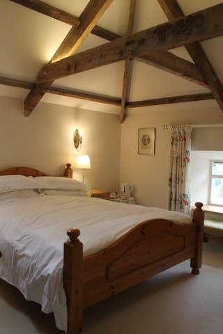 Cragend Grange 'West Room'  next to Cragside - Rothbury