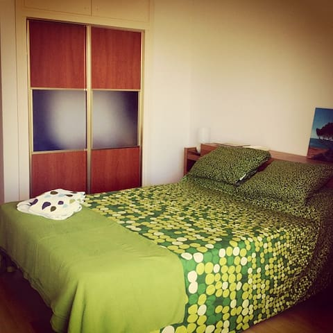 Double room with private bathroom - Sitges - Apartament