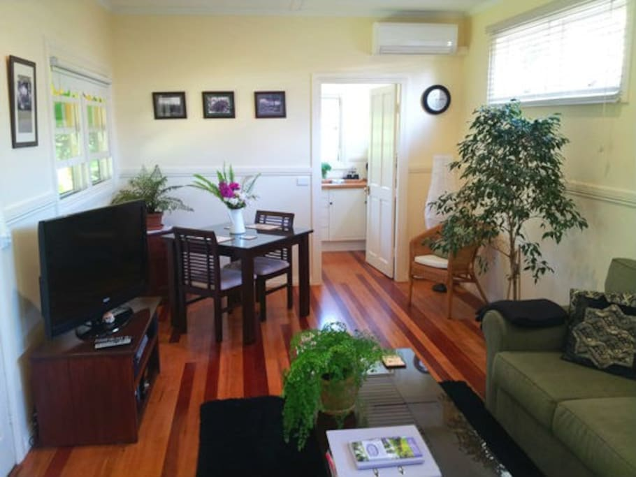 Living Room and dining with free WiFi and 46 inch LED TV