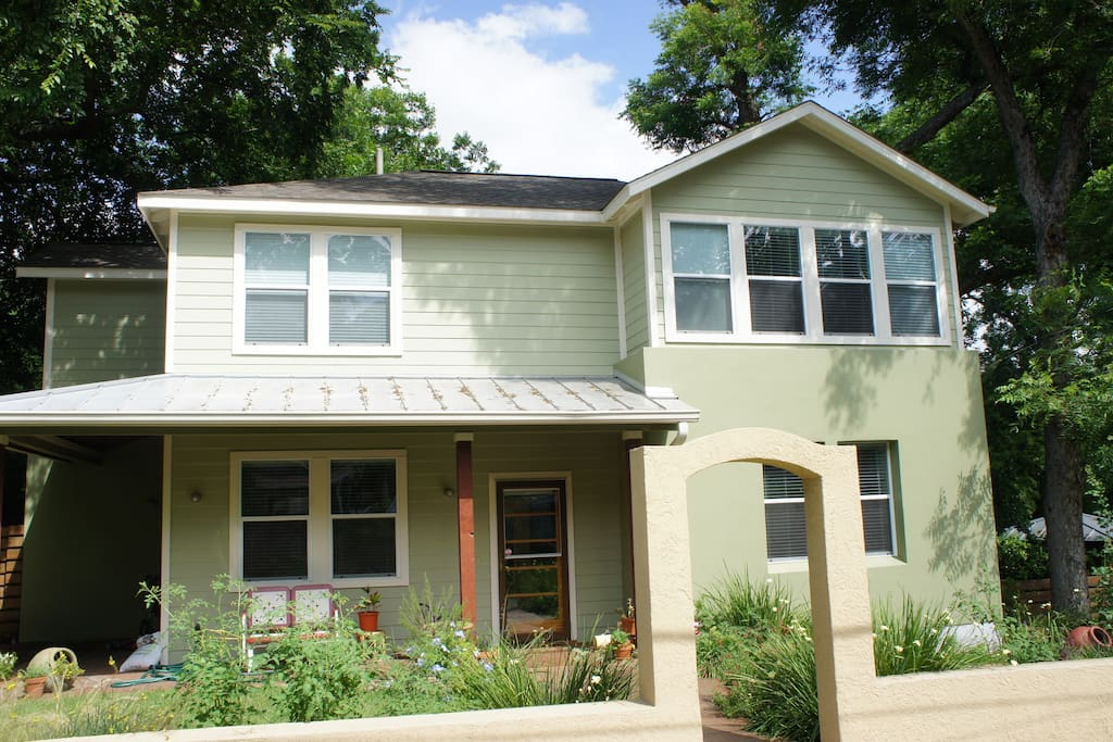 Acl Downtown 4 Bedrooms Walk Everywhere Houses For Rent In Austin Texas United States