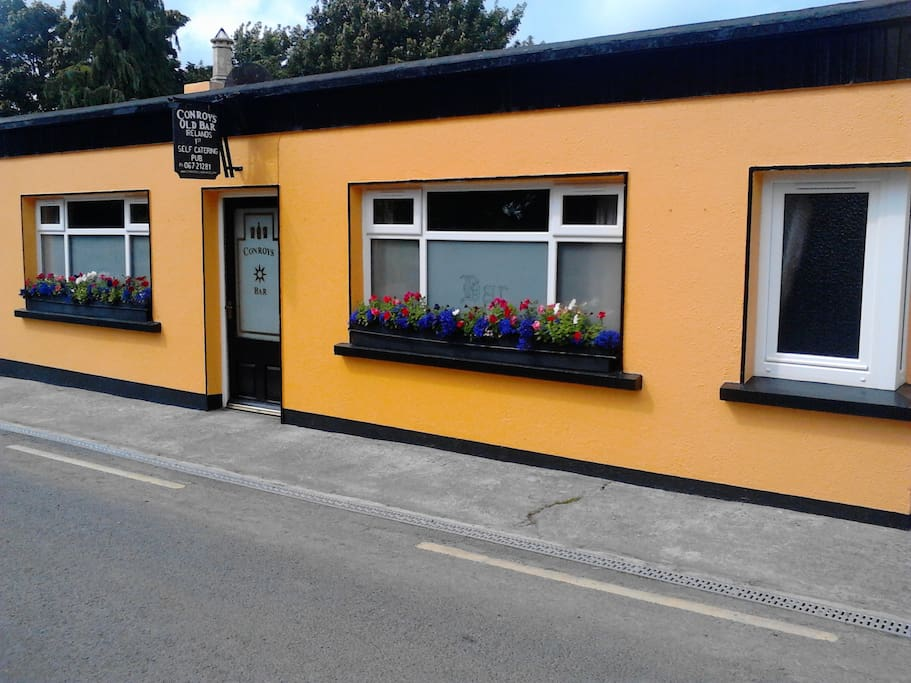 .Conroy's Old Bar - The World's 1st Self |Catering Pub!