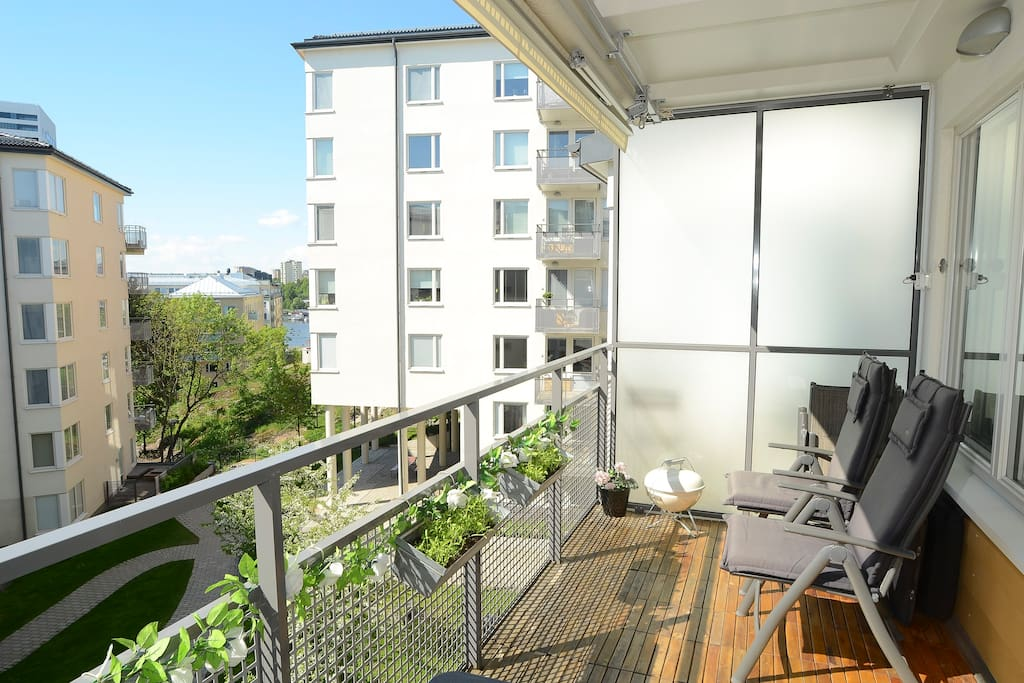 Balcony 10sqm with marquess (right side - space for 4 chairs - 2 shown in the picture)
