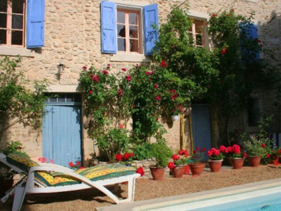 Garden Flower from Holidays rental apartment La Plume in Apt Luberon Provence France
