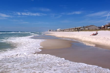 BEST DEAL IN TOWN 300 STEPS TO GULF! CABLE, WIFI - Panama City Beach - Departamento