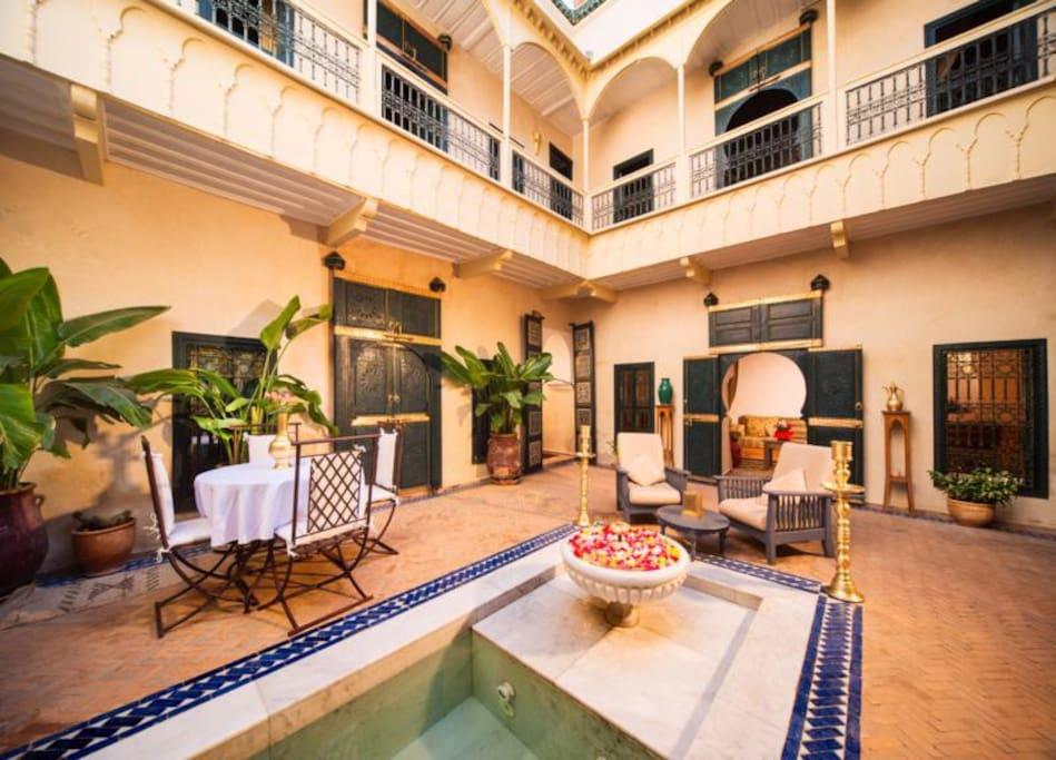 Dar Habiba patio and pool