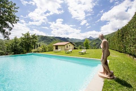 Villa in Tuscany, Lucca (7 sleeps)