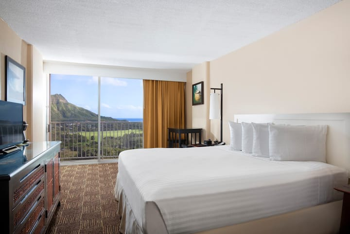Aston Waikiki Beach - Ocean View King