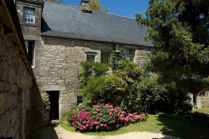 Manoir du XVème siècle - Quimper - House