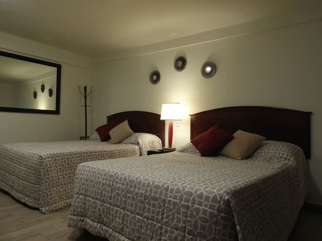 Mina San Cayetano - Delightful Suite with Parking