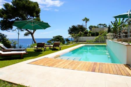 Waterfront Villa with jacuzzi 5 km from Monaco - Roquebrune-Cap-Martin - วิลล่า