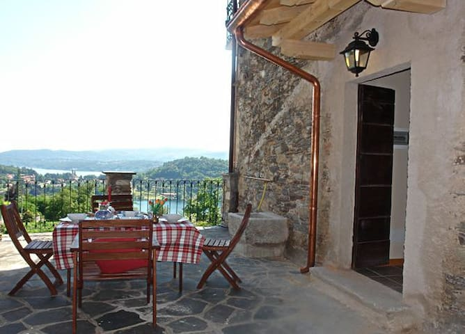 Apartment With Terrace - Carcegna - Apartemen