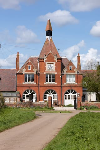 Timeless Clock Tower near Daventry - Daventry - Bed & Breakfast