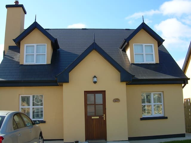Charming house in St Helen's Bay - Rosslare Harbour - Casa