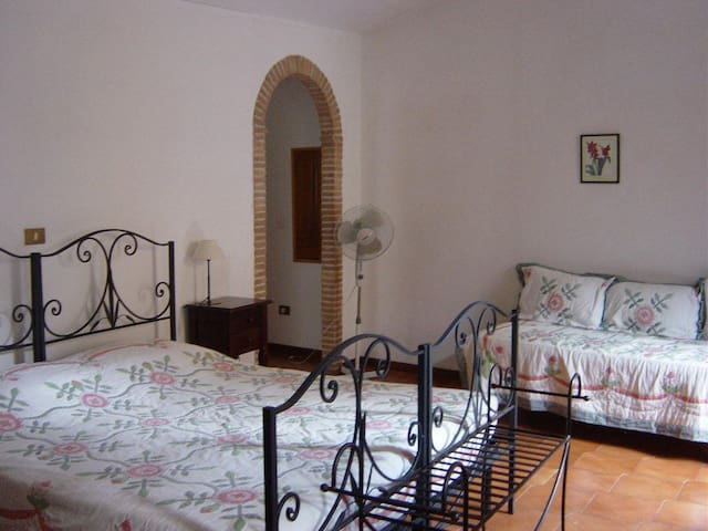B&B Il Carretto, en suite room... - Tuscania - Bed & Breakfast
