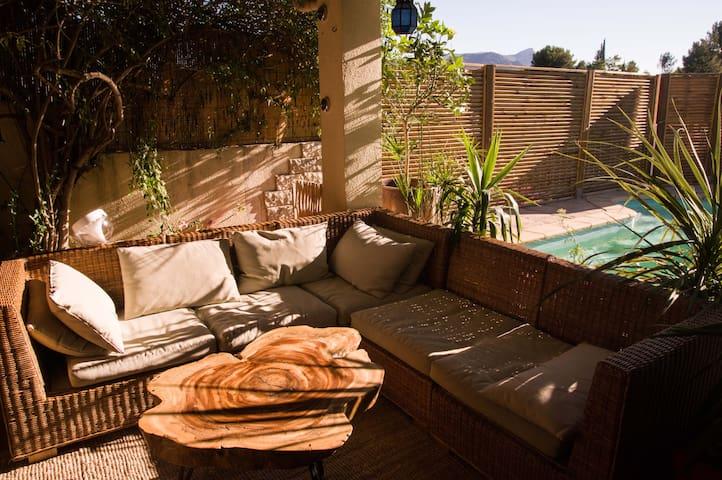 Maison de vacances au calme avec piscine - Marsella - Casa
