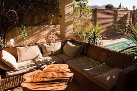 Maison de vacances au calme avec piscine - Marseille - Haus