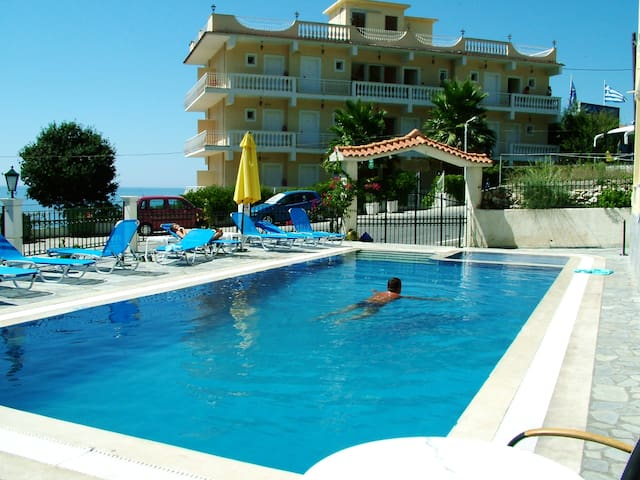 Nice Rooms with view(2-5 pax) - Agios Gordios - Bed & Breakfast