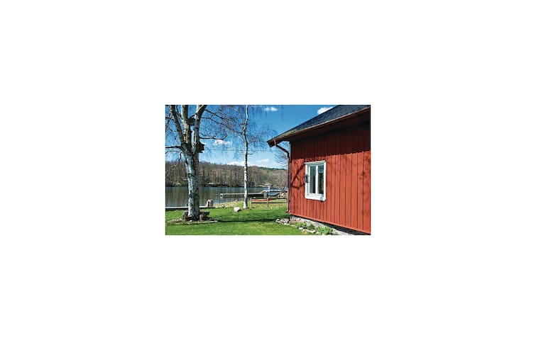 Holiday cottage with 3 bedrooms on 104 m² in Lödöse