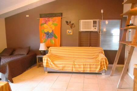 Kalawai's room and Kalawai's Hale - Kaunakakai