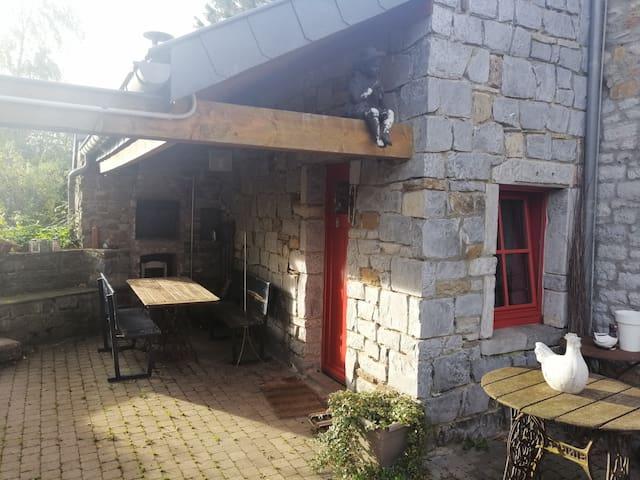 Aile de fermette entre Condroz et Ardennes