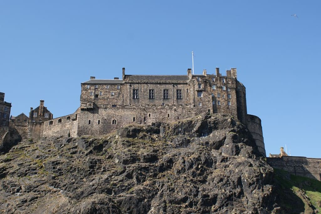 Central apartment with castle view - Apartments for Rent in Edinburgh, United Kingdom