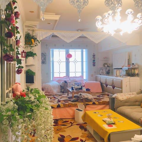 【繁花小居】西宁市中心精品公寓ins风特色房源不可错过!