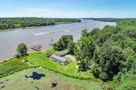 Waterfront Retreat for Weekends and More!