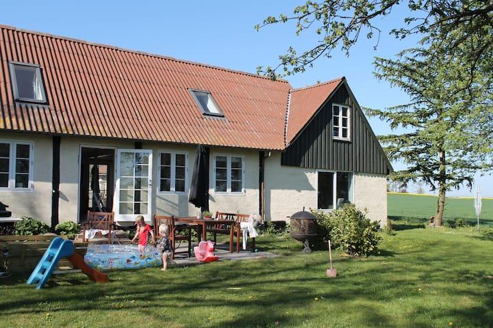 "Bondehus ""Lille Grånakke"" in Bornholm - Østermarie - House"