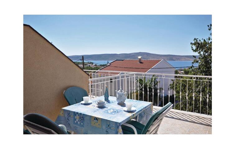 Holiday apartment with 2 bedrooms on 46m² in Starigrad Paklenica
