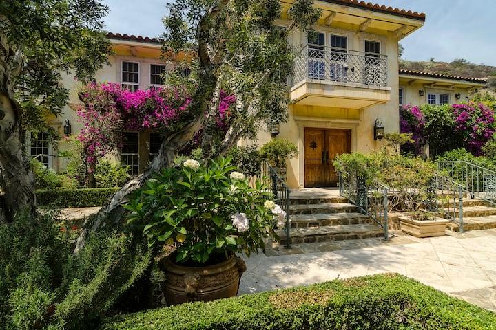 Private Suite at Villa Mariposa